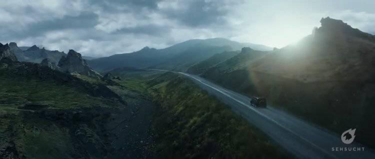 CG 赏析: Mercedes Benz(梅赛德斯·奔驰) - Stronger Than Time 宣传片中的动效分解 参考学习视频 - R 站|学习使我快乐! - 1